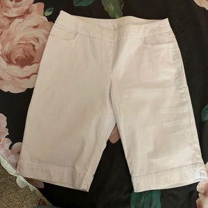 Size 10 White Slim-Sation Pull On Bermuda Shorts